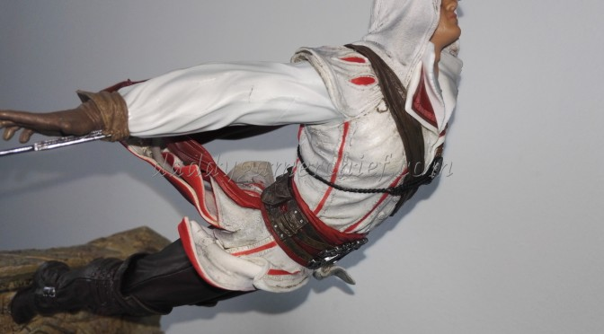 Ezio-Leap-of-Faith-unboxing